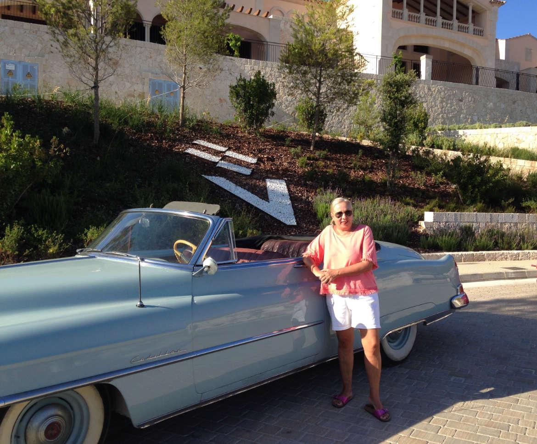 Ein Cadillac vor dem Park Hyatt Mallorca