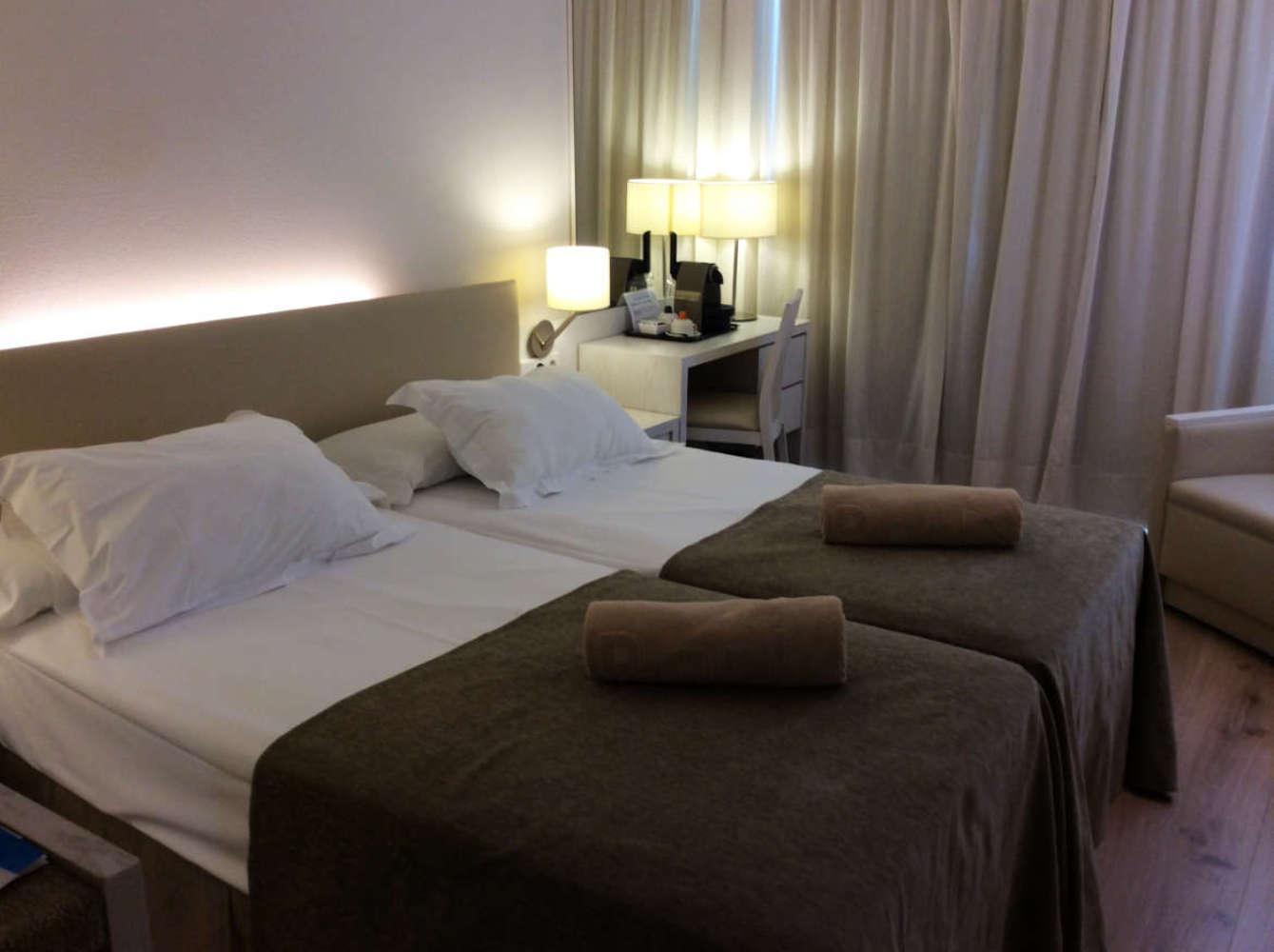Das Superior-Doppelzimmer im Park Canyamel Hotel