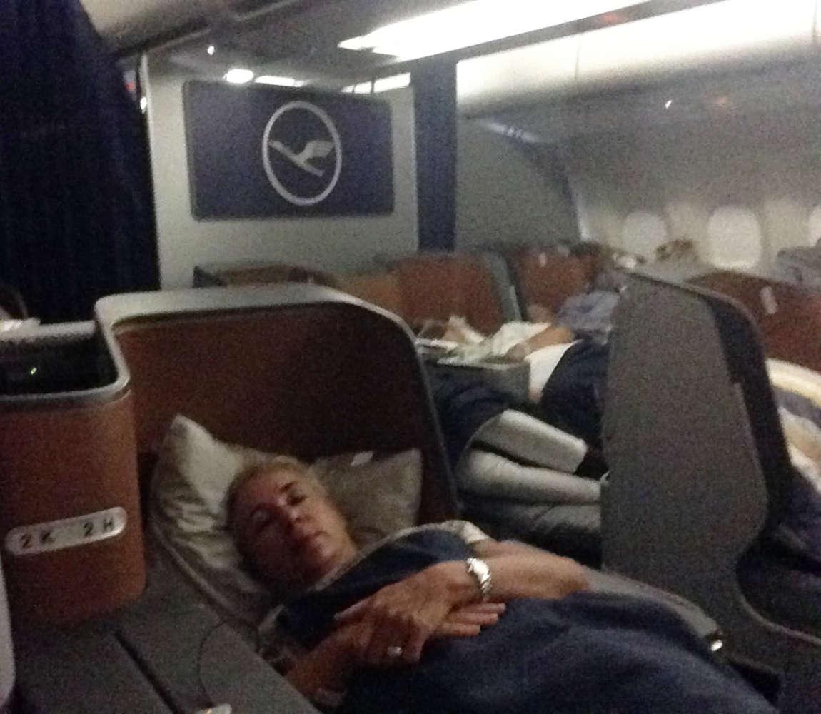 Die Liegefläche in der Buisiness Class der Lufthansa