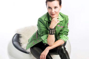"""Berghex"" - Kerstin Schaffenrath  (Foto: Sabine Holaubek Photodesign)"