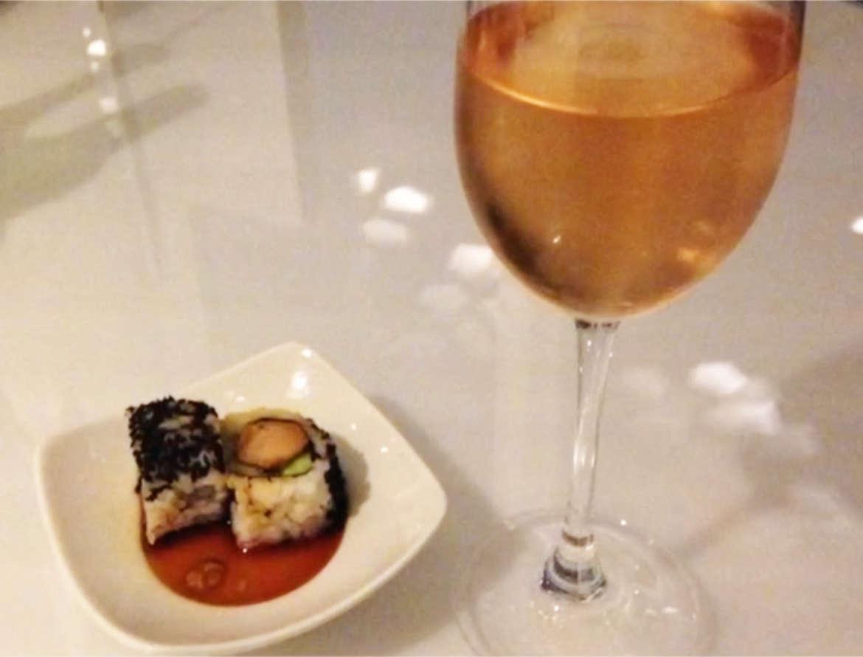 Mein Schiff - X-Lounge Rosé Champagner und Sushis