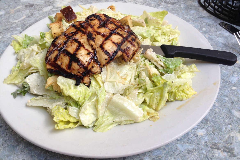 Cesars Salat mit Chicken